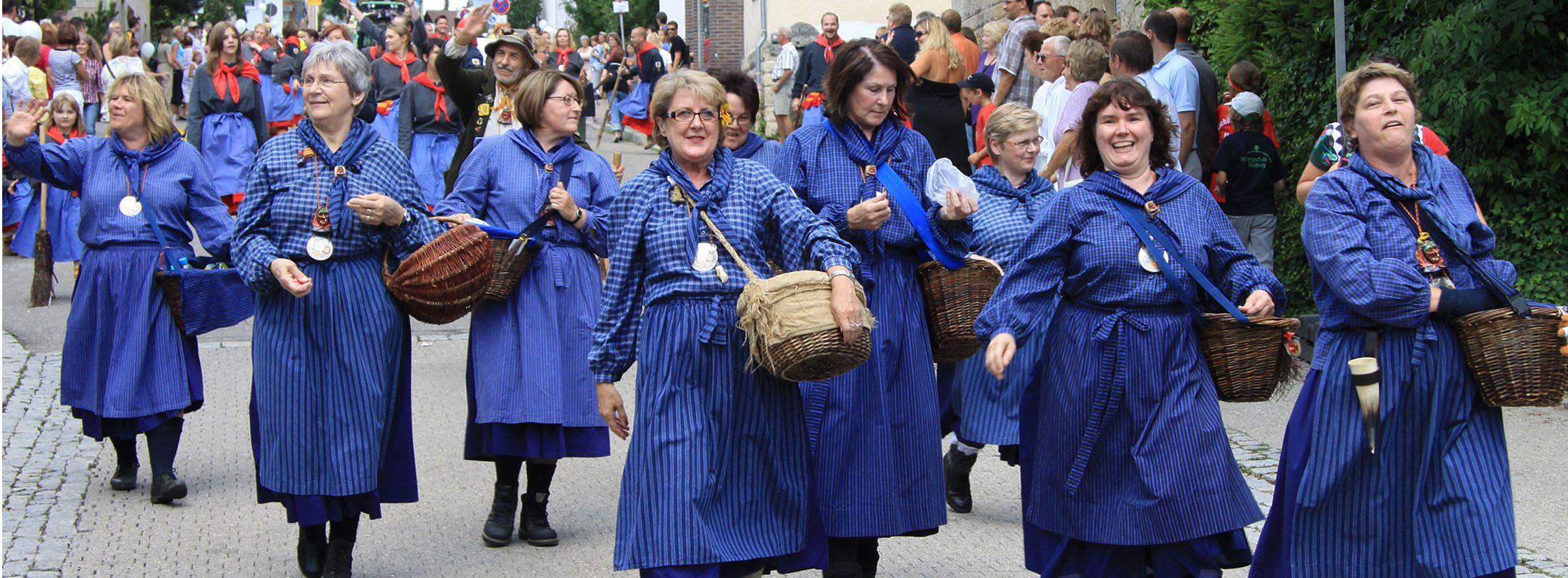 Eventfotografie blaue Frauen